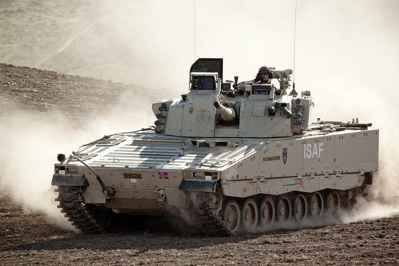 Боевая машина пехоты CV 90 (Швеция)