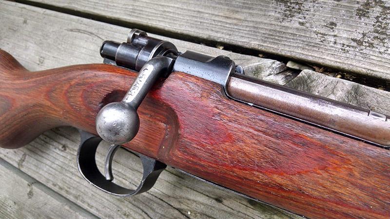 Рукоять взведения затвора винтовки Mauser 98K