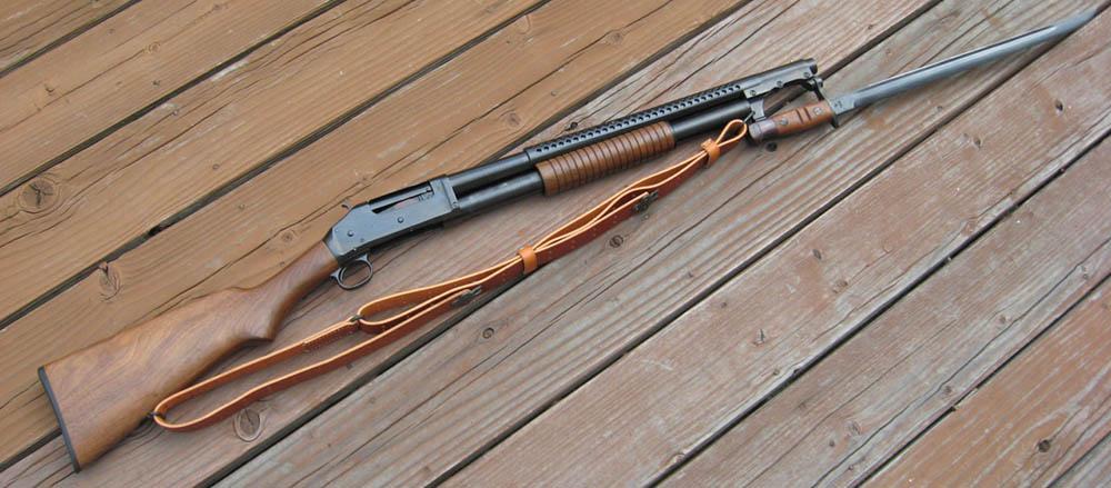 Дробовик Winchester M1897 c примкнутым штыком