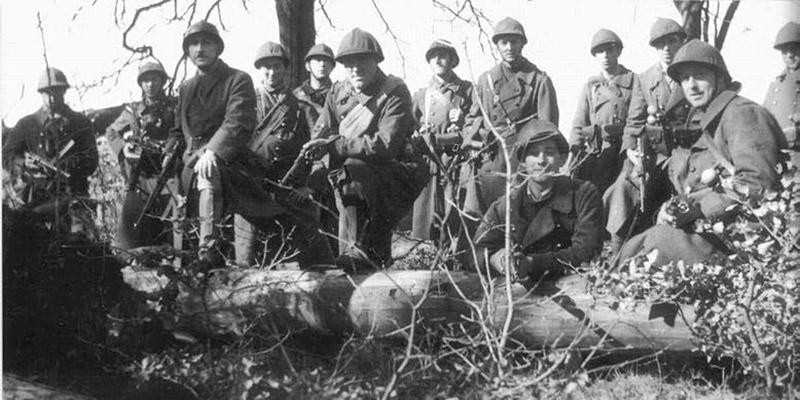 Груповое фото испанских солдат