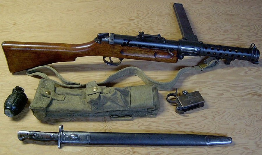 Пистолет-пулемёт Lanchester Mk.1