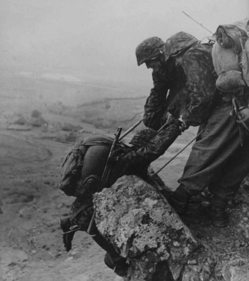 Солдаты горнострелковой дивизии СС «Принц Евгений»