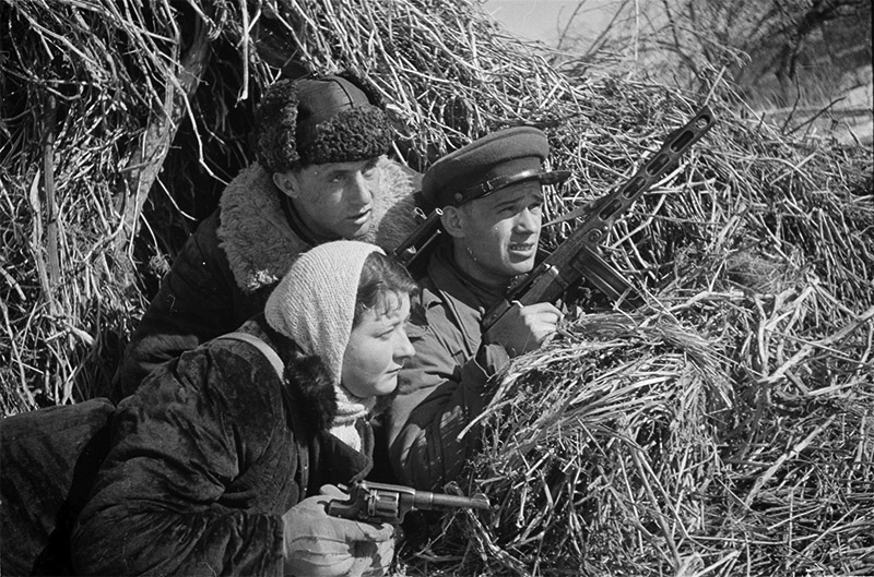 Советские партизаны в разведке