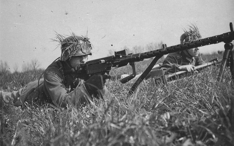 Пулемёт MG 13 на маневрах Вермахта