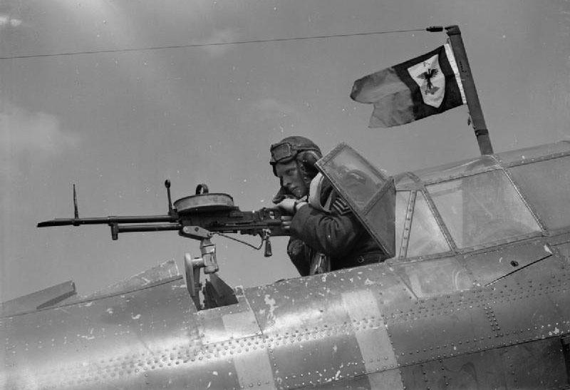 Пулемёт Vickers K в стрелковой точке бомбардировщика Fairey Battle