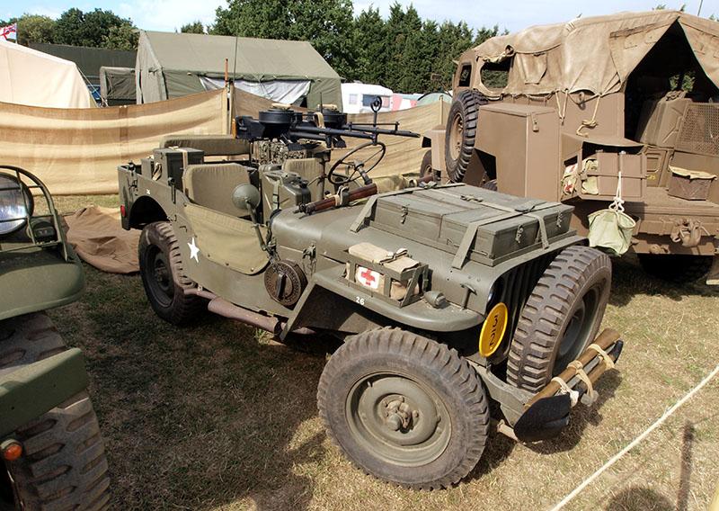 Спаренная установка пулемётов Vickers G.O. на «джипе SAS»