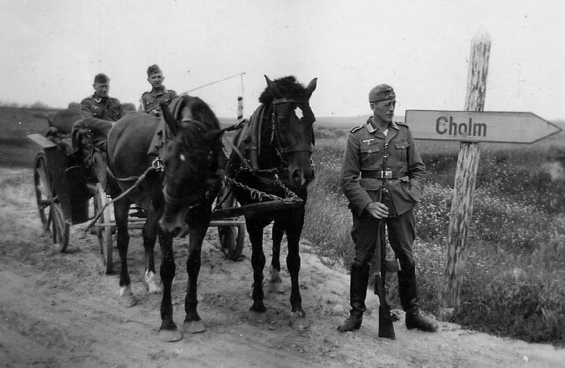 Немецкий солдат с винтовкой АВС-36