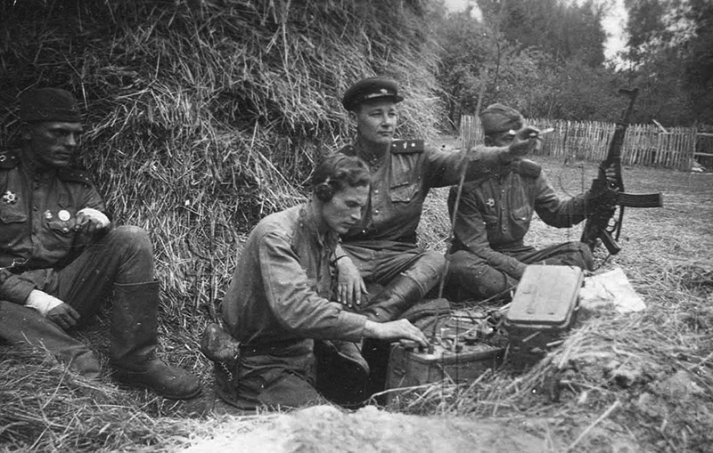 Советский солдат с StG 44