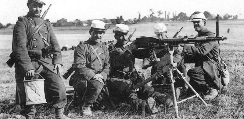Французкий пулемётный расчет с Puteaux Mle. 1905