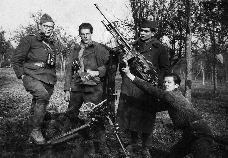 Французские солдаты во время «Странной войны»