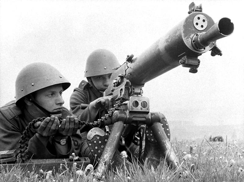 Чехословацкие солдаты с пулеметом TK vz. 24