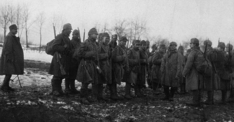 Австро-венгерские солдаты с винтовками Mannlicher