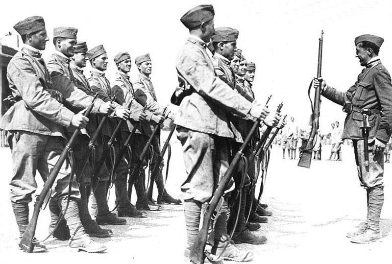 Итальянские солдаты на занятиях