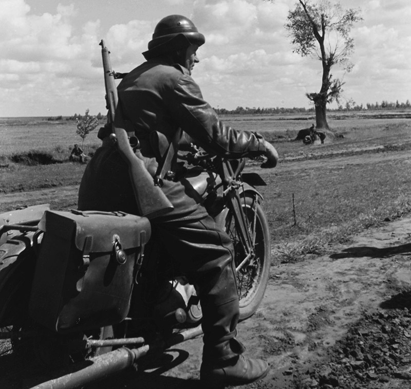 Венгерский мотоциклист на Восточном фронте