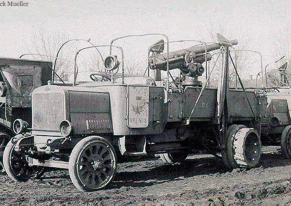 грузовик Руссо-Балт с 76-мм зенитной пушкой обр.1915 г.
