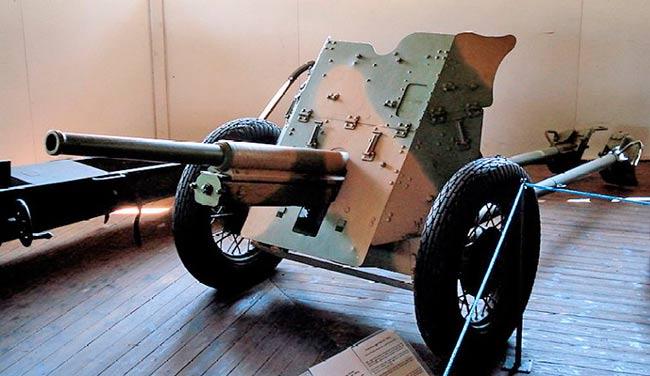 45-мм <a href='https://arsenal-info.ru/b/book/1671492103/2' target='_self'>противотанковая пушка</a> образца 1932 г. 19-К