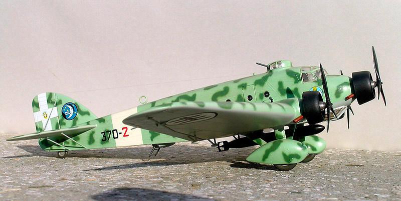 Модель бомбардировщика SM.81
