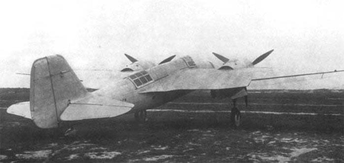 Советский бомбардировщик «СБ» (АНТ-40), вид сзади