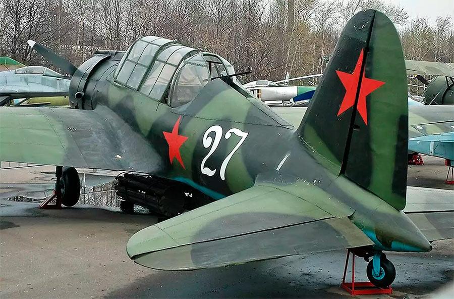 Ближний бомбардировщик Су-2, вид сзади на кабину стрелка