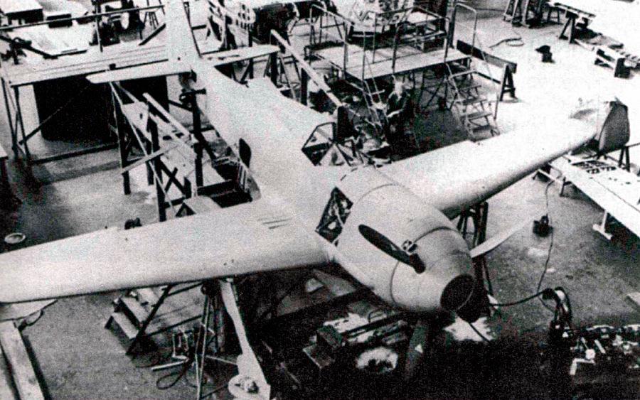 Прототип FW-190 пока ещё больше напоминает «Мессершмитт-109»