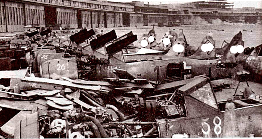 Настоящее кладбище Fw-190 - аэродром Темпльхольф под Берлином.