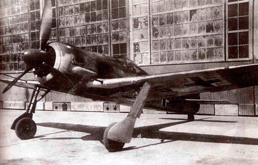 Трофейный FW-190A-5(U-3) захваченный красной армией в Сталинграде