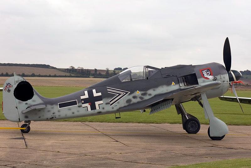 немецкий истребитель FW-190
