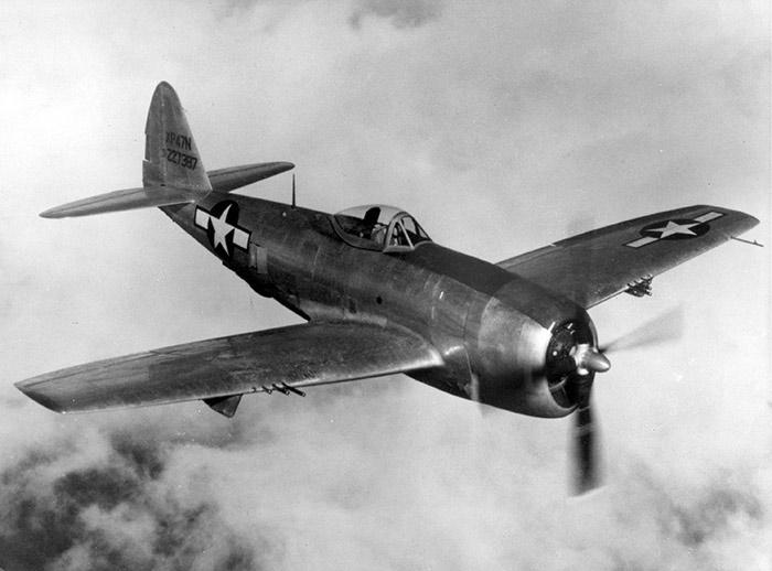 Американский истребитель второй мировой войны P-47 Тандерболт (Thunderbolt)