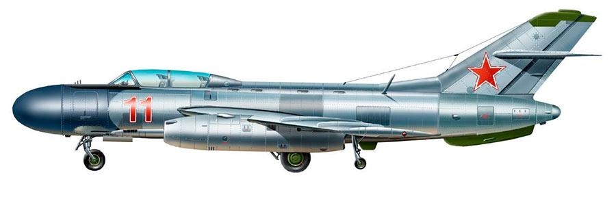 Советский барражирующий истребитель-перехватчик Як-25, вид сбоку