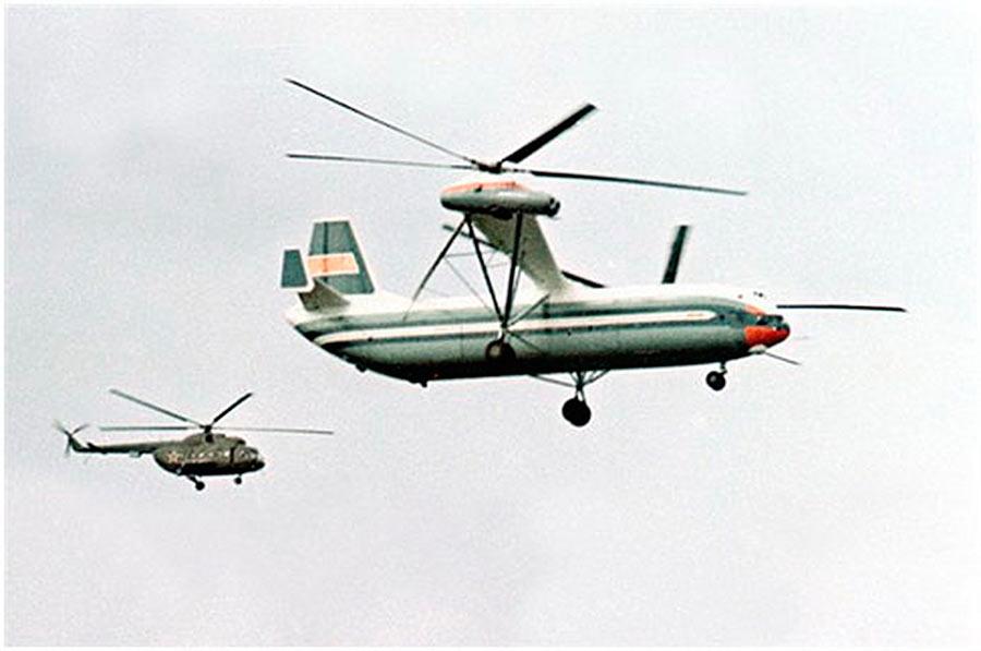 Наглядное сравнение: в полете В-12 и Ми-8