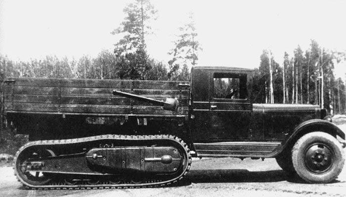 ЗИС-42 - полугусеничный грузовик, тоже вариант ЗИС-5