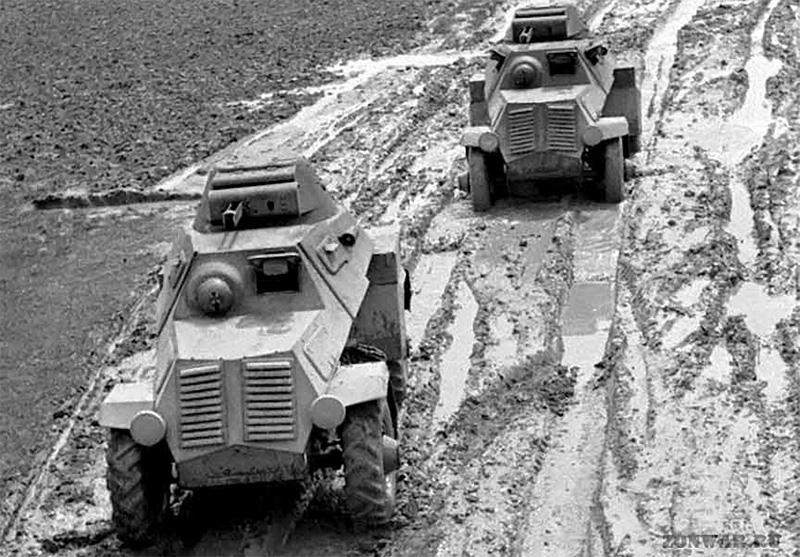 Оба изготовленных бронеавтомобиля ЛБ-62 на испытаниях