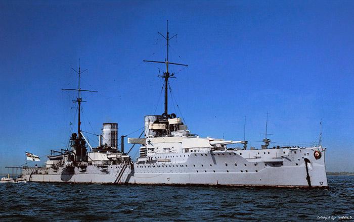 Линейный <a href='https://arsenal-info.ru/b/book/2414474991/4' target='_self'>крейсер</a> «Фон дер Танн»