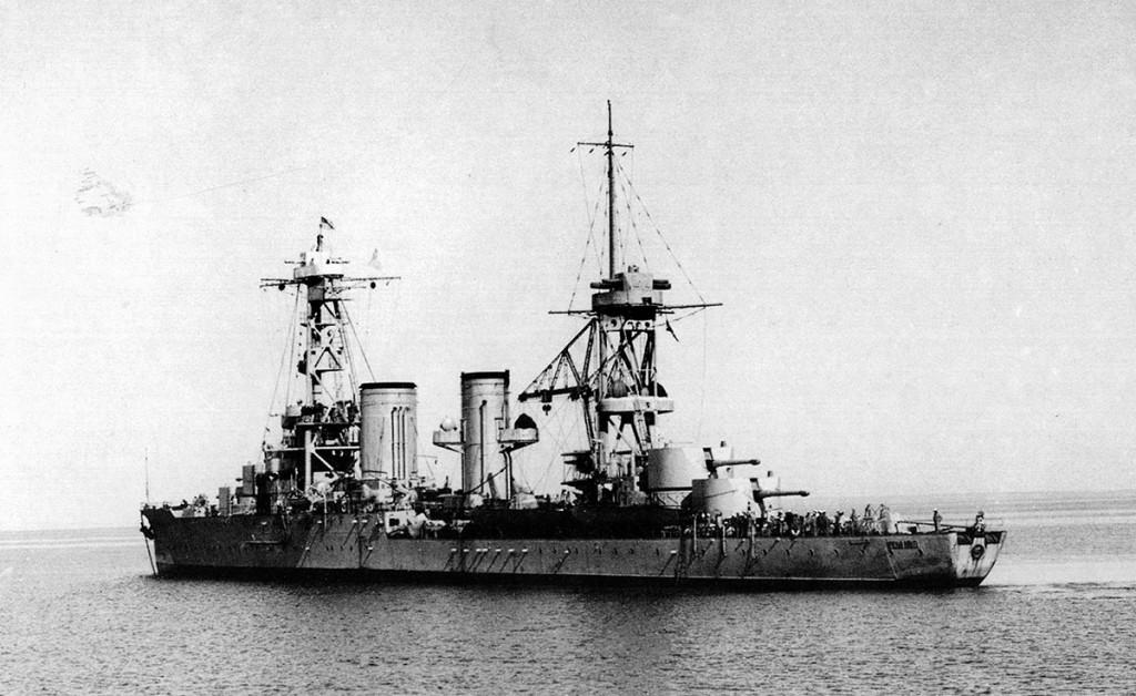 Крейсер 'Красный Кавказ', бывший 'Адмирал Лазарев' проекта 'Светлана'