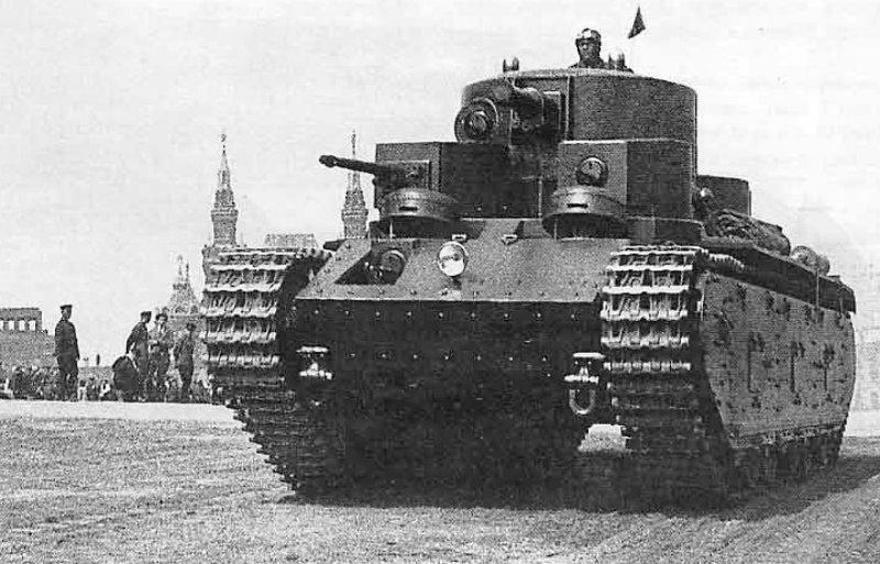 Т-35 внушает уважение, не так ли?