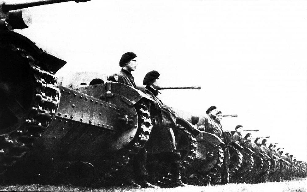 танковая-рота-на-7ТР