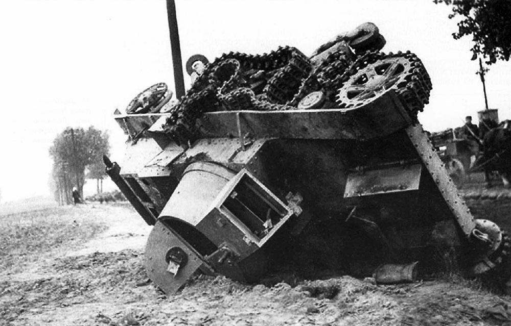 7ТР-разбитый-взрывом-1939
