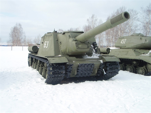 ИСУ-152 'Зверобой'. Даже внешне машина полностью оправдывает свое прозвище