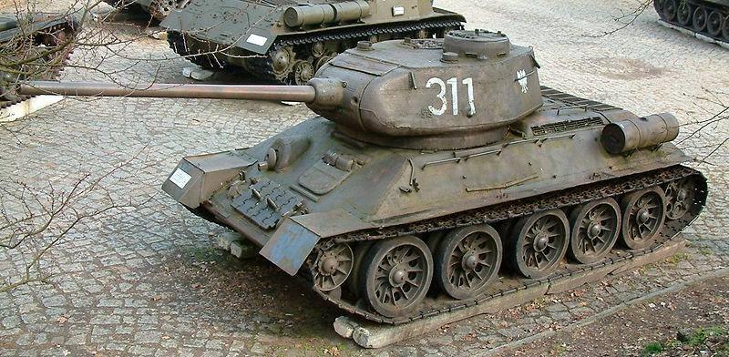 Большая часть танков Т-34 установленных на монументах - танки Т-34-85