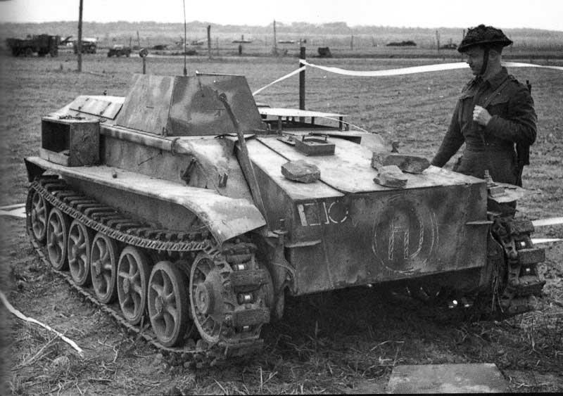 Захваченная радиоуправляемая танкетка B-IV