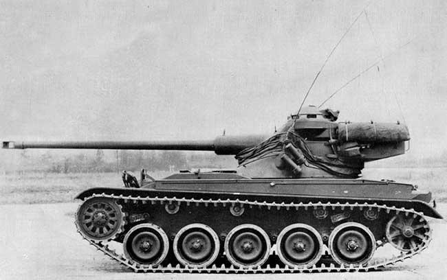 AMX-13 с 75-мм пушкой