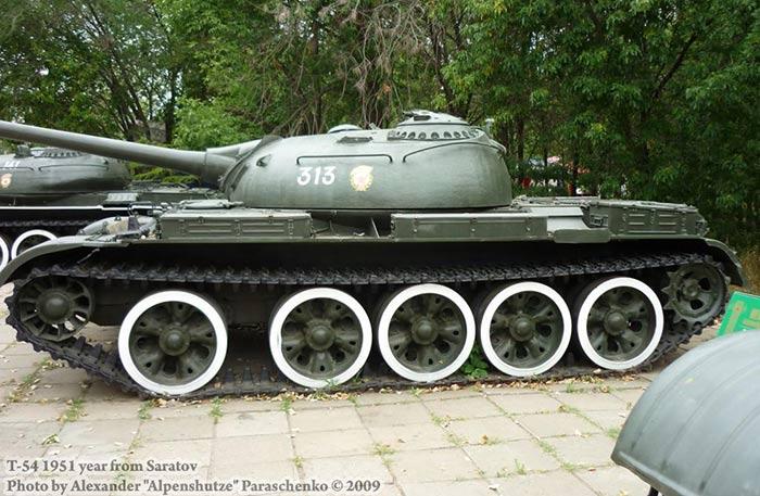 Средний танк Т-54 образца 1951 года