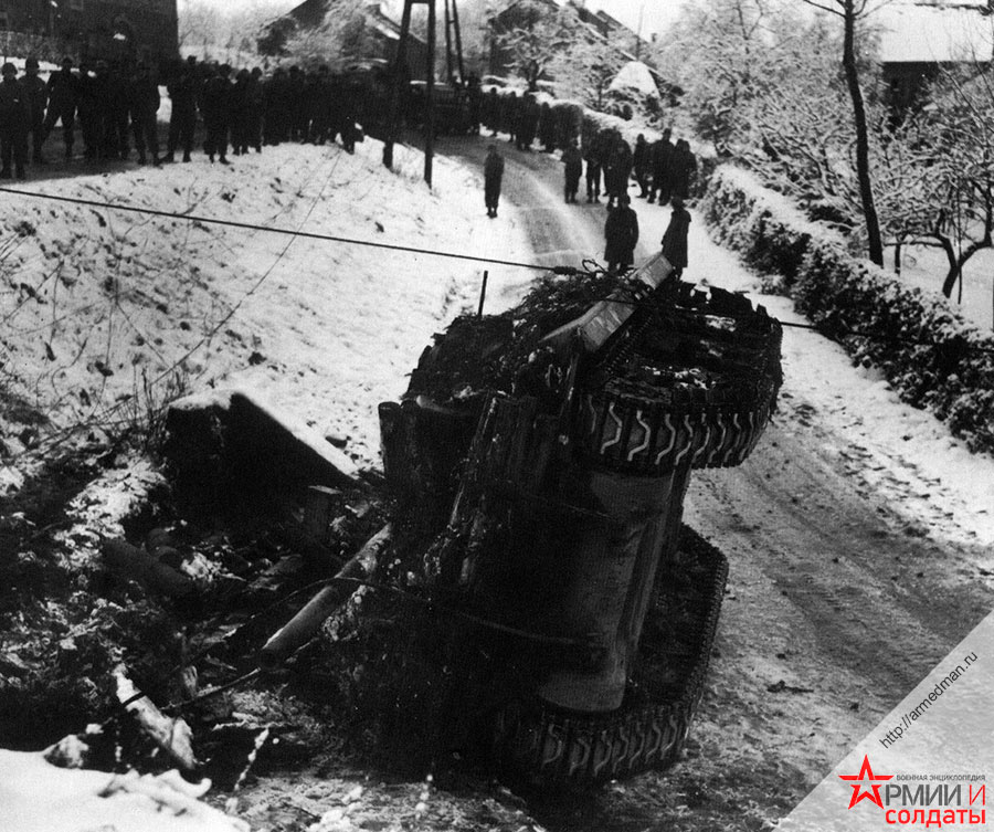 Перевернутый танк M10