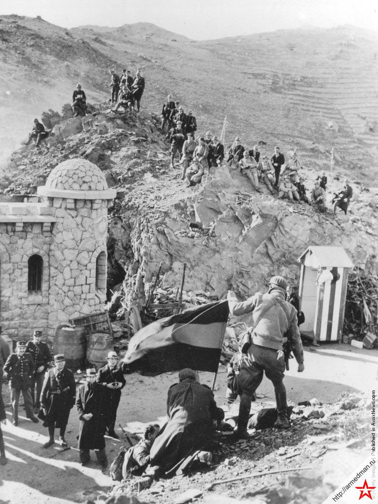 Республиканские войска на границе с Францией, пропускной пункт Портбоу