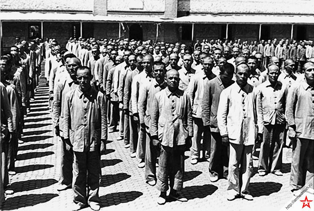 Республиканцы-политические заключенные в испанской тюрьме. Между прочим снимок сделан в 1952 г.