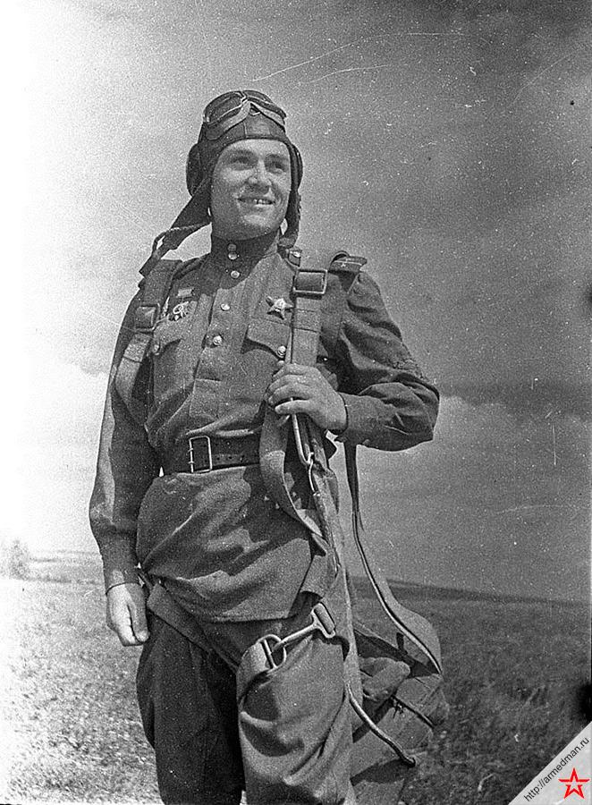 Заместитель командира эскадрильи гвардии лейтенант Борис Ляпунов, 18 ГвИАП. Сбил 7 немецких самолетов лично и 8 в группе. Погиб в воздушном бою (04.09.43 г.)