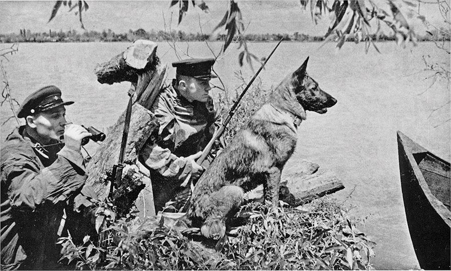 Советские пограничники, июнь 1941 г, республика Молдова. Война ещё не началась.