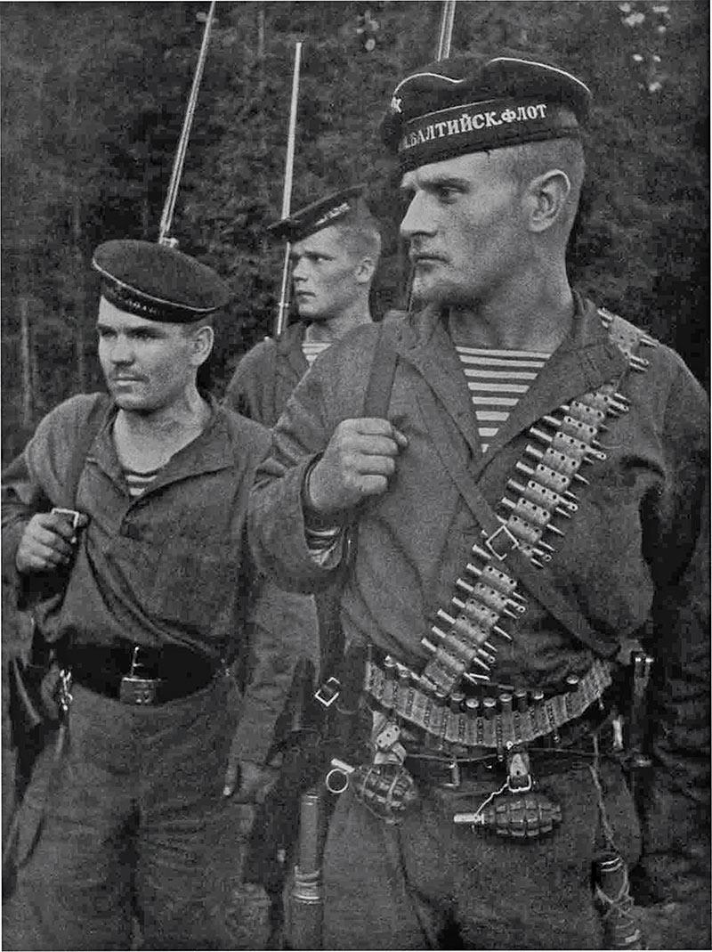 Матросы 2-й сводной бригады Блтийского флота, 08.31.1941, фото Давида Трахтенберга