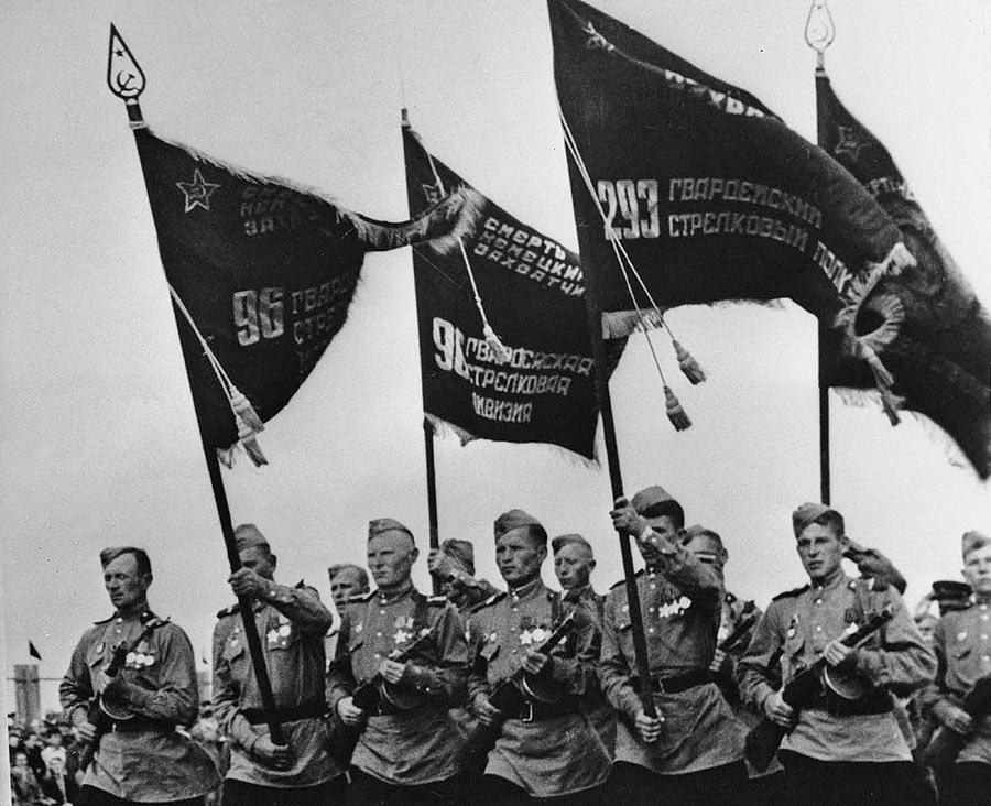 Парад Победы в Белоруссии. Май 1945 года.