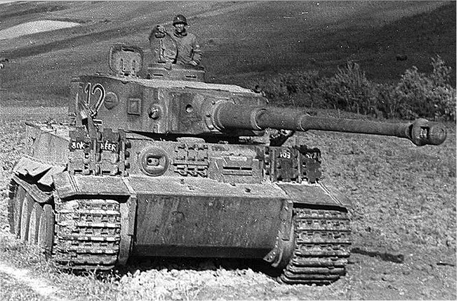 Тяжелый танк Pz VI «Тигр» захваченный американскими войсками в Тунисе.